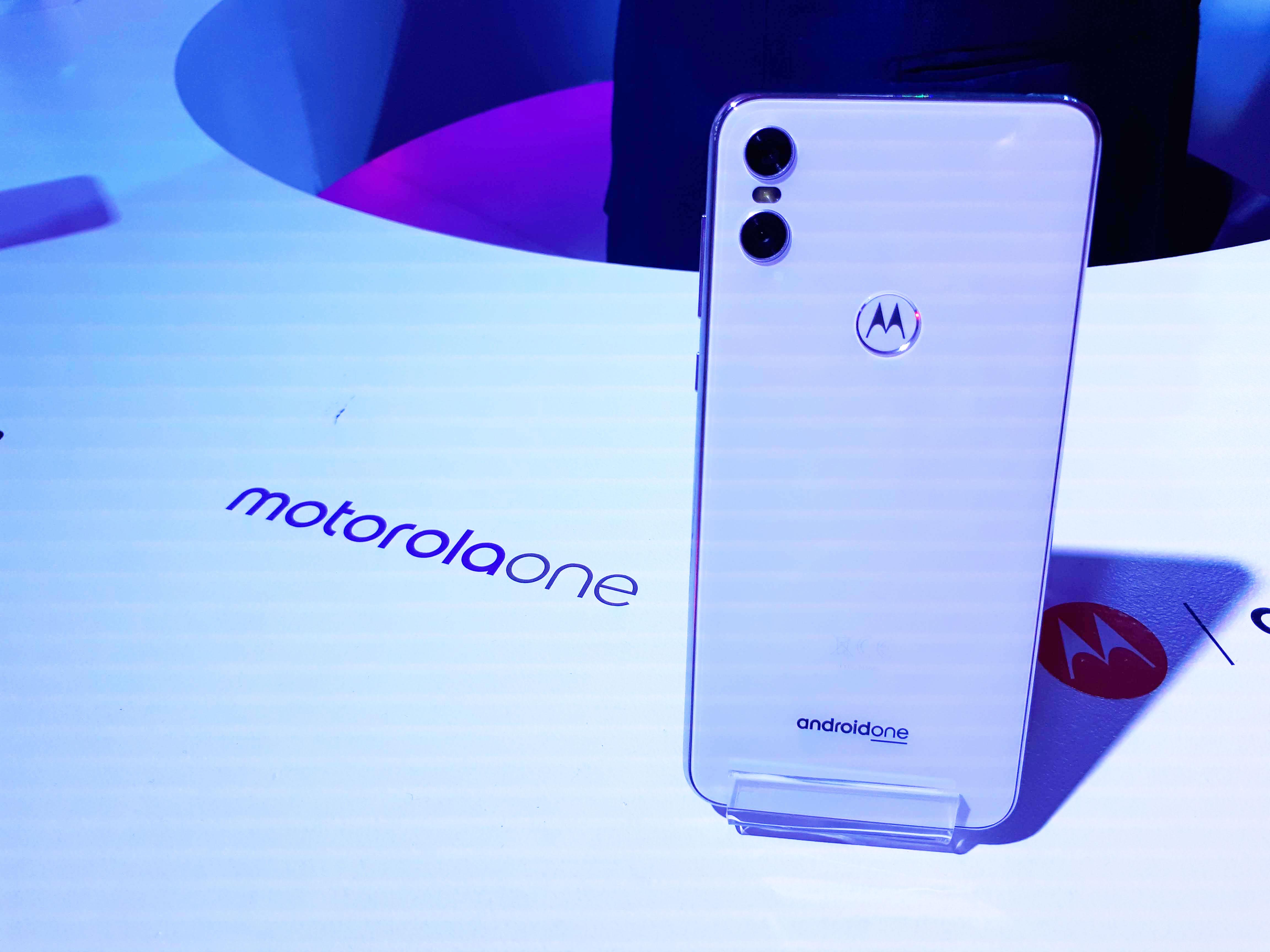 Primeras impresiones con el Motorola One, el móvil de Moto con Android One
